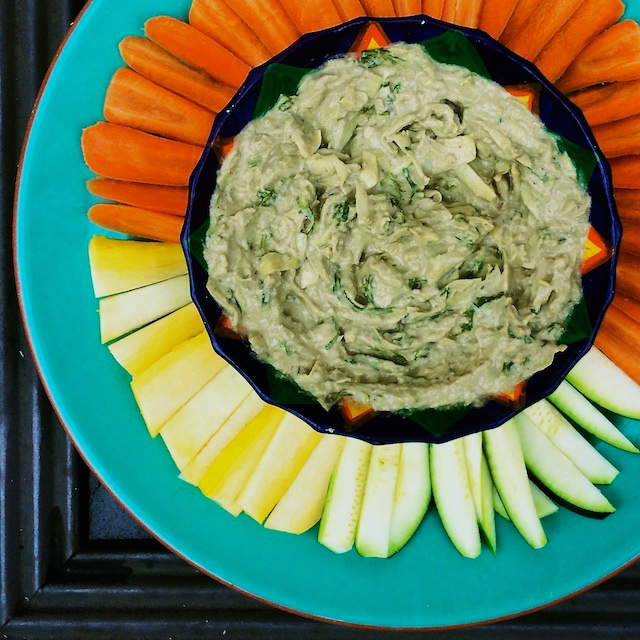 kale artichoke dip with veggies