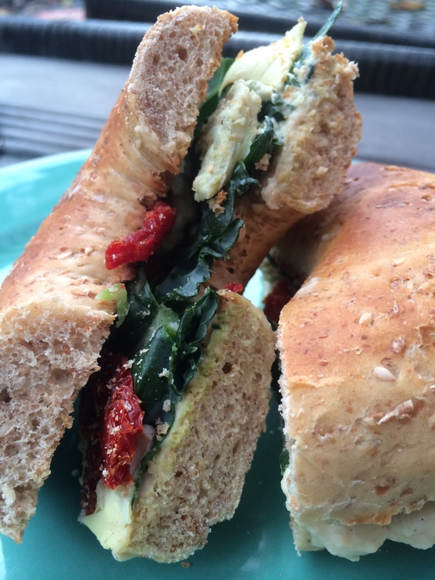 bagel-sandwich-paleovegan